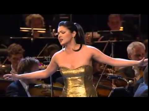 39 casta diva 39 from 39 39 norma 39 by vincenzo bellini performed for Casta diva pictures