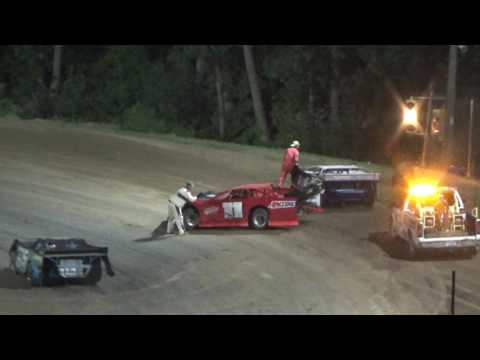 Late Model Feature Race at Crystal Motor Speedway, Michigan on 07-22-2017