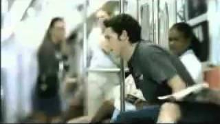 Парень развел девушку в метро