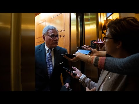 Senators Choose Stock Portfolio Over Public Health