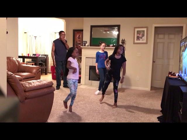 Kids VS Parents Fun Dance Battle!!
