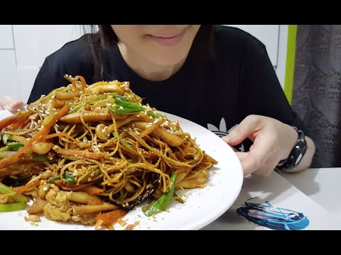 Chow Mein | Stir-fry Noodles with Vegetables | 豉油王炒麵 : ASMR / Mukbang ( Cooking & Eating Sounds )