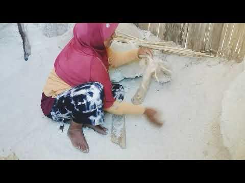 Proses iodiumisasi garam Kindepermai Desa Tendakinde, Kec. Wolowae kab. Nagekeo