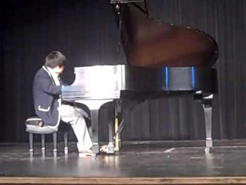 Nobuyuki Tsujii Performs for Students