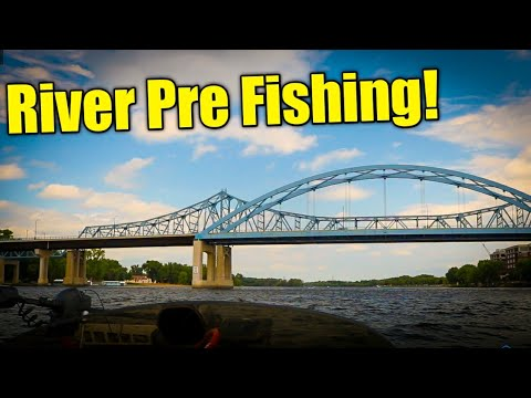 Pre Fishing For Mississippi River Bass Fishing TOURNAMENT!! ( Pool 8 Lacrosse Wisconsin!) 2020