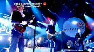 Franz Ferdinand - No You Girls (Live On Top Of The Pops)