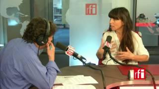 La cantante Marina Cedro con Jordi Batalle en El invitado de RFI