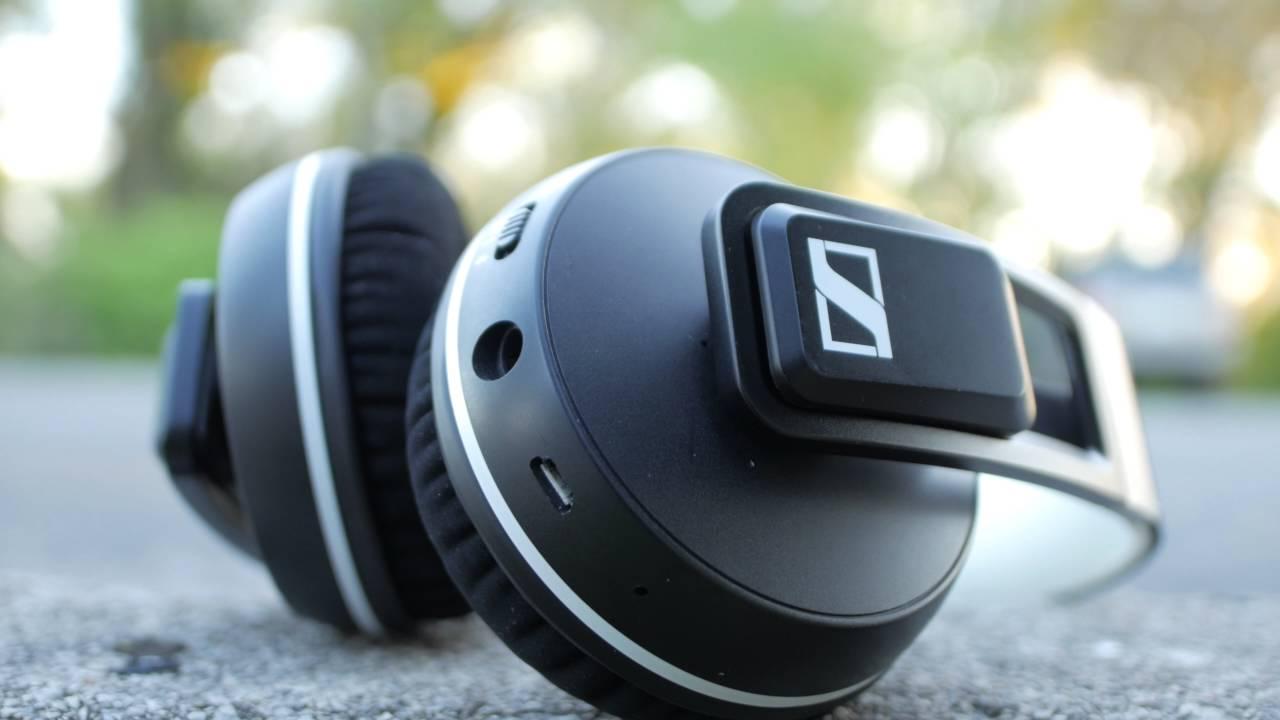 best bluetooth headphones under 200 2016 youtube. Black Bedroom Furniture Sets. Home Design Ideas