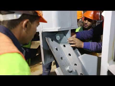 Installation de la première phase de la charpente de la gare Rabat Ville