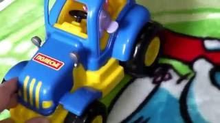 Синий трактор Красный трактор Машинки Игрушки Видео для детей(Играем в трактора, машинки и другие любимые игрушки. Скоро наше новое видео в честь 500 подписчиков :) Play tractor,..., 2016-07-12T13:11:13.000Z)