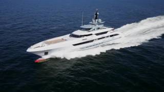 Video of 70m Superyacht at 30 knots