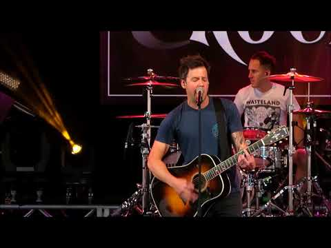 """Simple Plan """"Perfect"""" @Epcot 03/16/2018"""