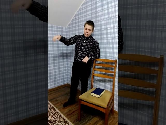 Изображение предпросмотра прочтения – ИванСидоренко читает произведение «Тучи» М.Ю.Лермонтова