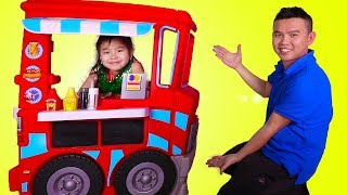 Jannie Pretend Play with Food Truck Kitchen Toyset