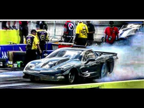 Plan B vs The Blue Dragon at the Redemption exhibition class at NHRA