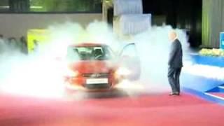 Путин провел тест-драйв Hyundai Solaris