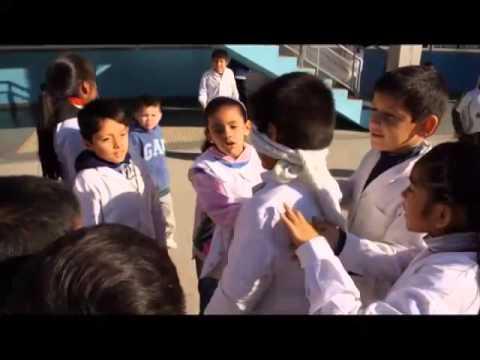 Resultado de imagen para foto de niños jugando al gallito ciego