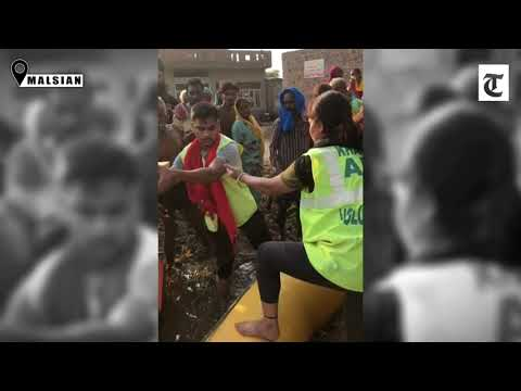 punjab-floods:-meet-the-lone-woman-on-job-with-over-100-male-volunteers