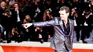 Jim Carrey being a clown as usual on the red carpet of Jim & Andy the great beyond at 2017 Venice Fi