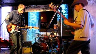 "Urban Surf Kings - ""Radarmen From The Moon"" (Guitar-Fest VII)"