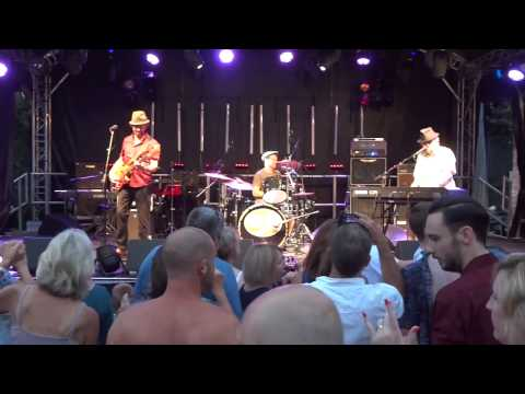 Chas & Dave Live at Hampton Pool 2014