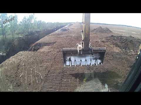Строим переезд через канаву 2. Building of a ditch crossing. Cat 312C.