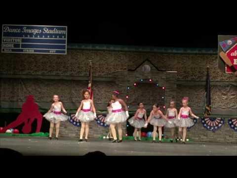 WALT DISNEY RECORDS Girls dance in the Liberal High School - Niñas bailando Liberal, Kansas