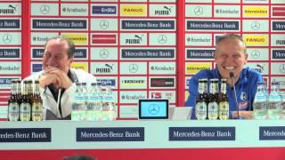 Christian Streich und Huub Stevens lachen sich auf PK kaputt | VfB Stuttgart -  SC Freiburg 2:0