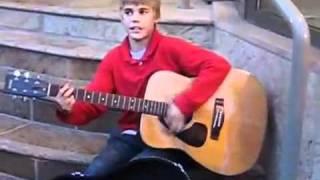 Justin Bieber: Busking