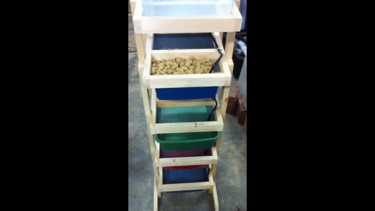 Completed 4 tub mouse rack - YouTube