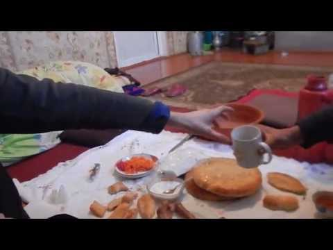 Final Central Asian breakfast with our Kyrgyz family, Mon 29 Dec 14
