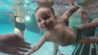 Подводное плавание для детей в бассейне. Грудничковое плавание.