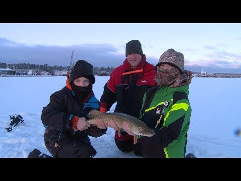 Ice Fishing Door County WI for Pike - Larry Smith Outdoors TV