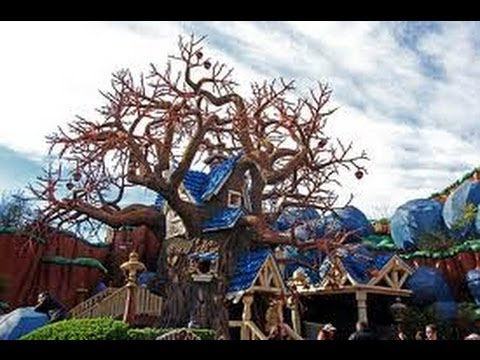 Chip and Dale's Treehouse in HD at Disneyland