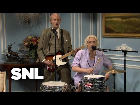 Elton Visits the Queen - Saturday Night Live
