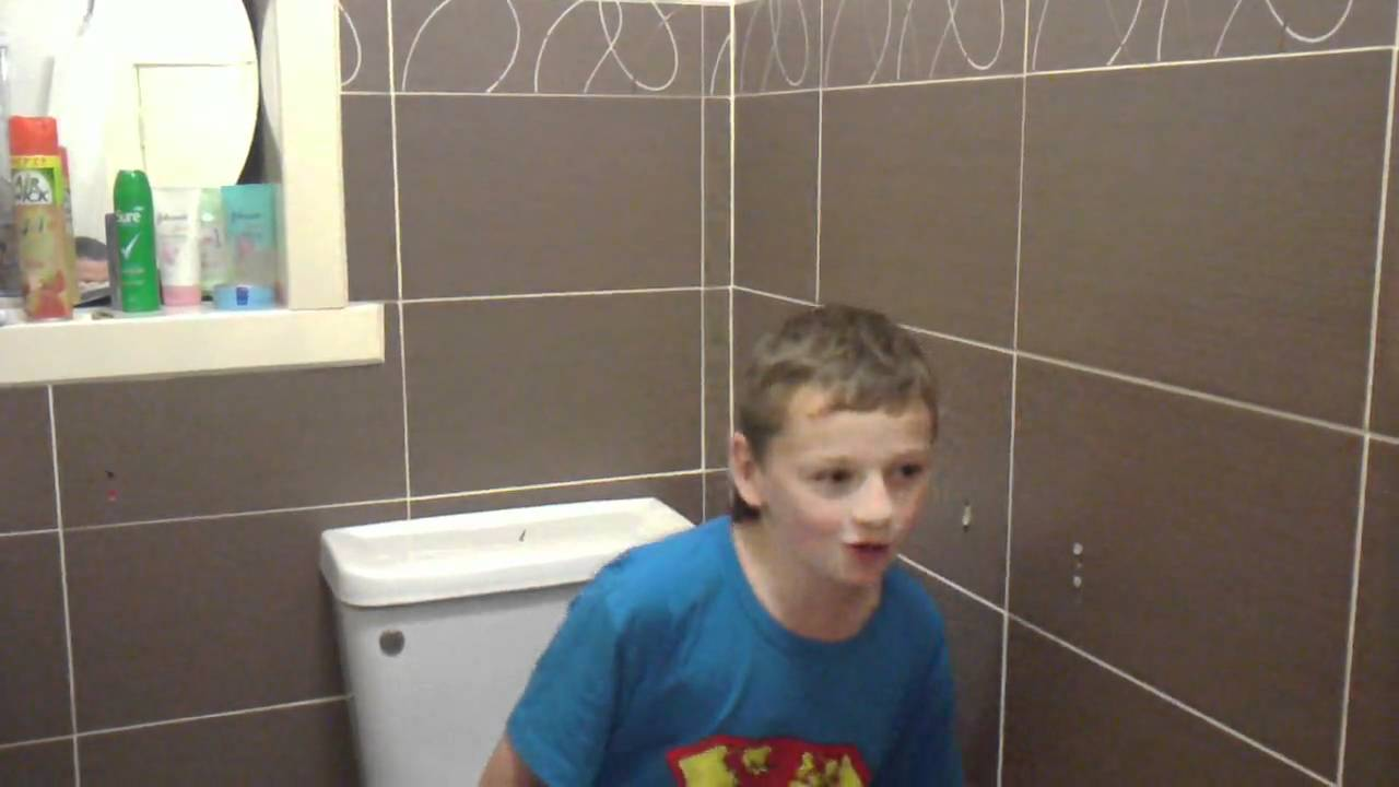 50 girls sitting on the toilet pranks part 6 : Vidbb.com