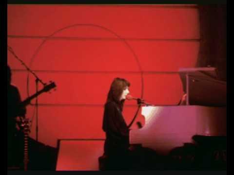 Kate Bush - Feel It