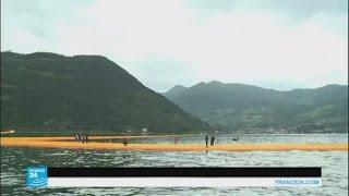 إيطاليا: معرض فني يسمح لرواده بتجربة المشي على الماء