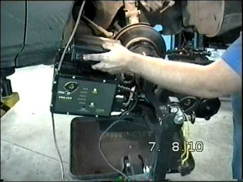 видео: Проточка тормозных дисков без снятия. 8-908-023-1737.