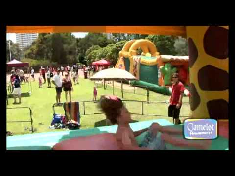 Giant Inflatable Giraffe Jumping Castle   YouTube