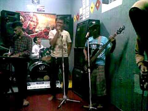 Aeras Band