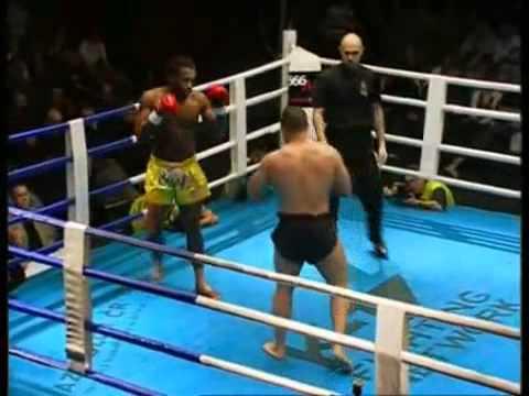Pat Barry vs. Freddy Kemayo