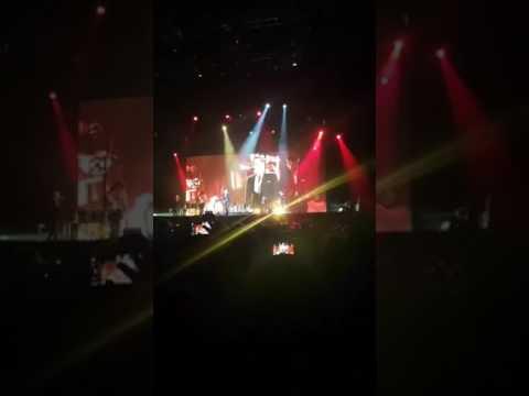 Bryan Adams - 18 till i die - dubai concert 2017