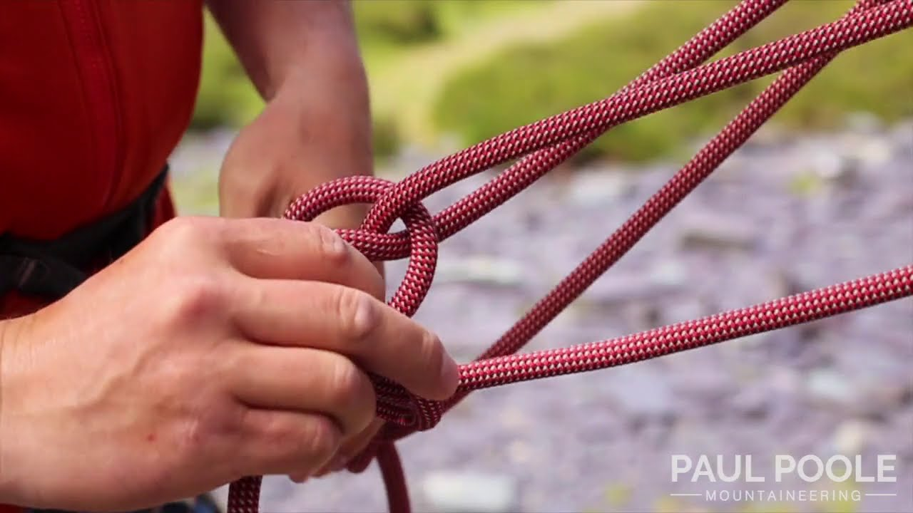 Building a Climbing belay with the rope to 3 anchor points