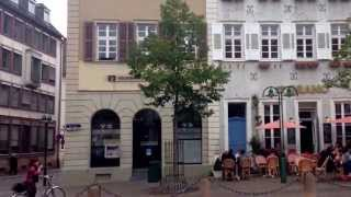 ハイデルベルク(標準ドイツ語: Heidelberg [ˈhaɪdəlbɛʁɡ], アレマン語:Heidelbärg,Heidelberg Marktplatz