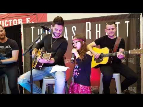 11 year old Sofia sings with Thomas Rhett