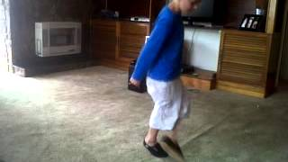 Anthony Roos 8 yr old toe step dans
