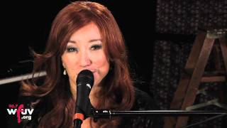 "Tori Amos - ""Carry"" (Live at WFUV)"