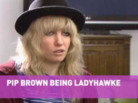 Ladyhawke chats fame, music and being cool Mp3