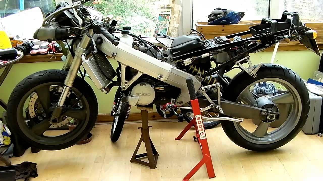 cagiva mito evolution 125 2 stroke rebuild introduction youtube. Black Bedroom Furniture Sets. Home Design Ideas
